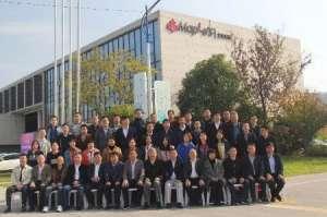 木竹联盟领导专家莅临北美枫情木家居参观指导电焊